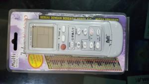 remote AC serba guna,yang di buat secara khusus untuk SEMUA MERK AC. HARGA : Rp.50.000,-